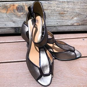 Sofft high heel leather shoes size 12